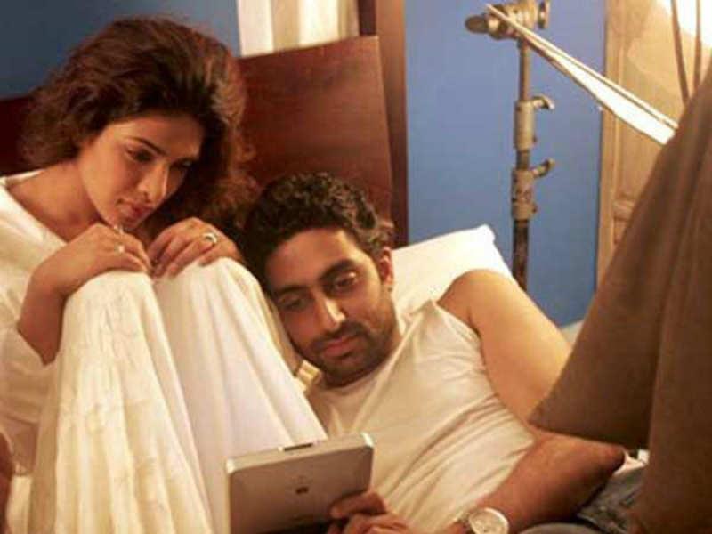 Image result for Abhishek Bachchan and Priyanka Chopra Bluffmaster