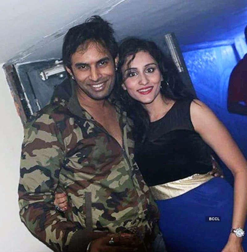 Pratyusha Banerjee's ex-beau Rahul Raj Singh breaks the dance floor on his wedding reception