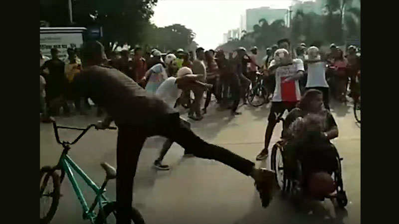 Mumbai cyclists organise a flash mob on World Bicycle Day