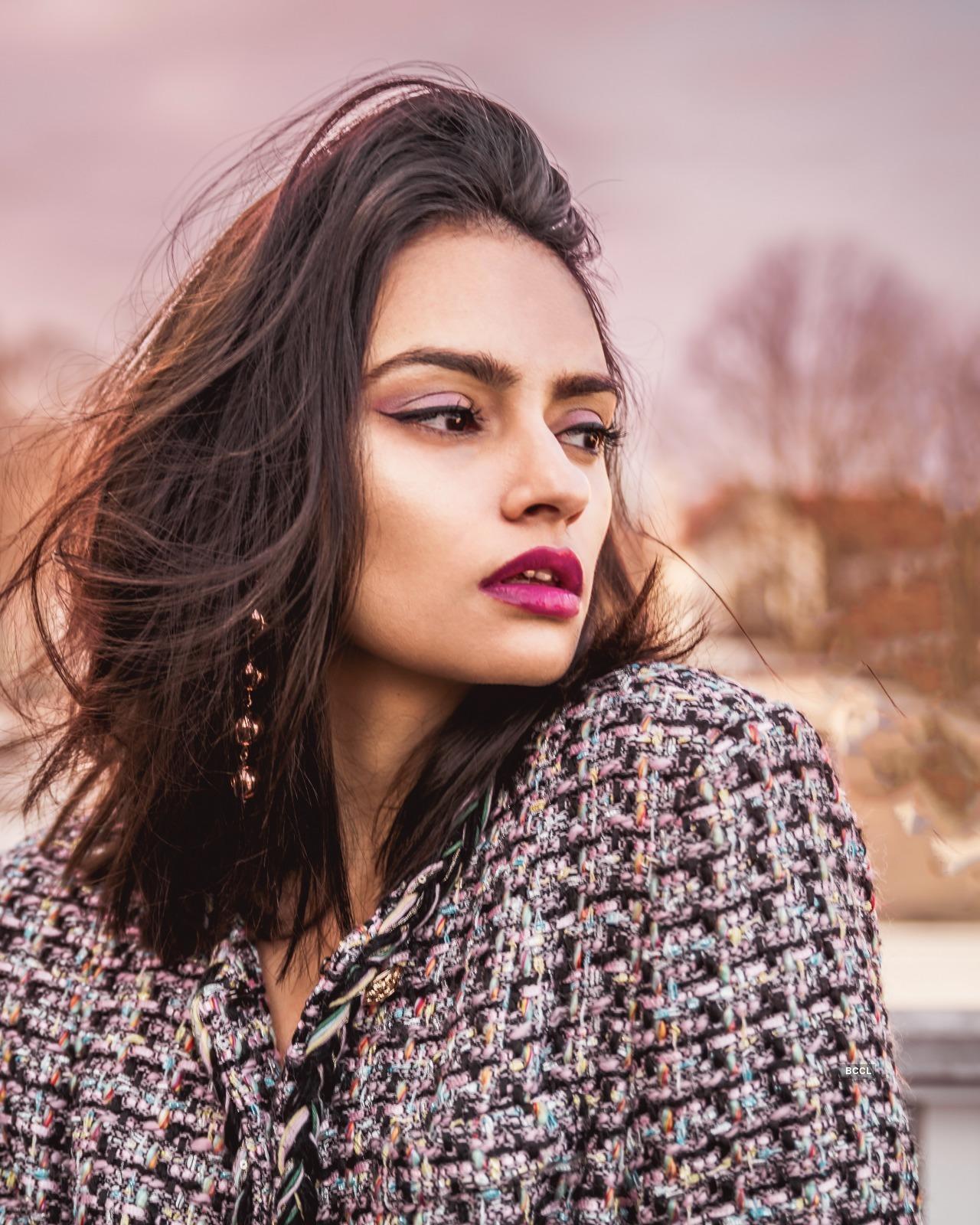 Meet the gorgeous Shraddha Singh, a 'Coder-turned-Creative' blogger & model