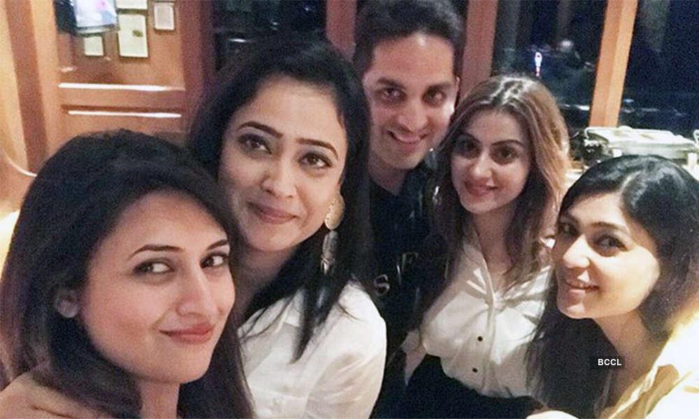 TV stars attend Vikaas Kalantri's wife's birthday party