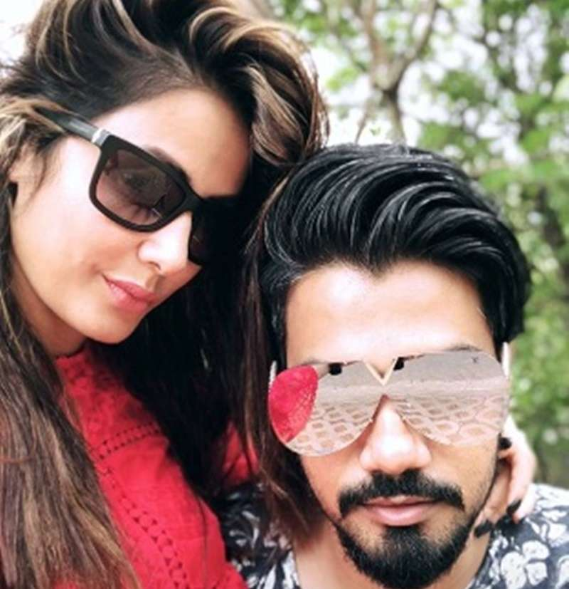 Hina Khan Is Chilling With Boyfriend Rocky Jaiswal In Pune Times