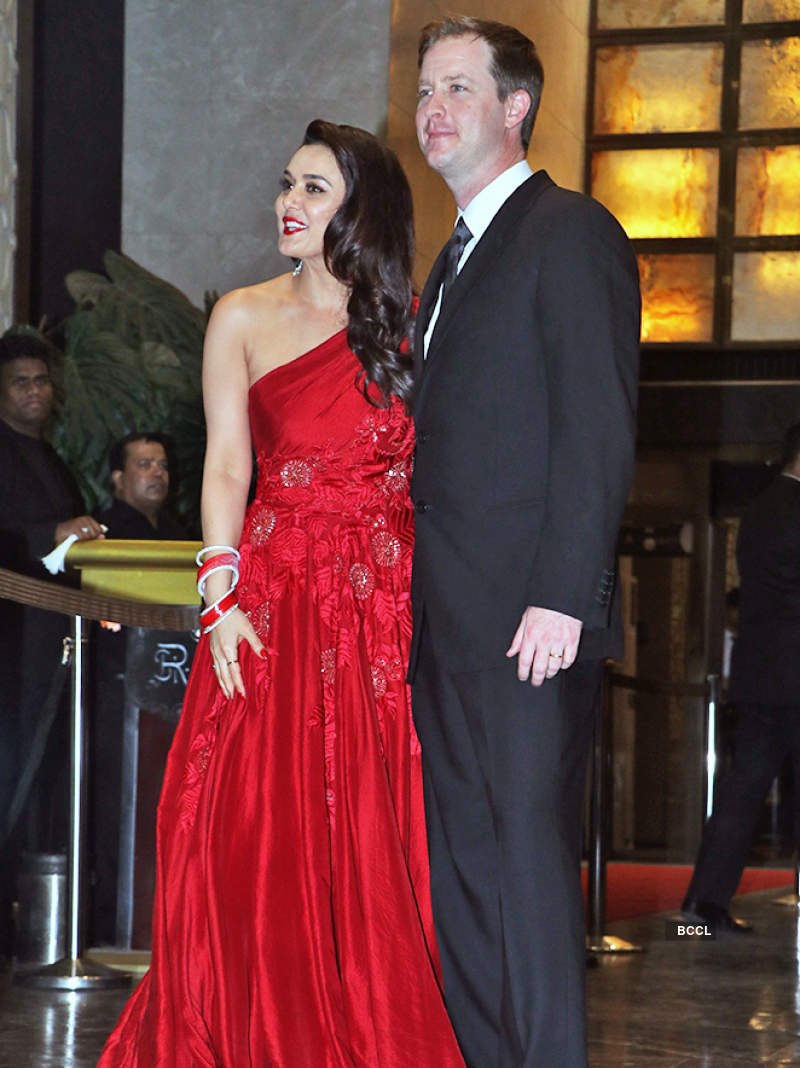 Preity Zinta follows Sonam Kapoor's footsteps, is now 'Preity G Zinta'