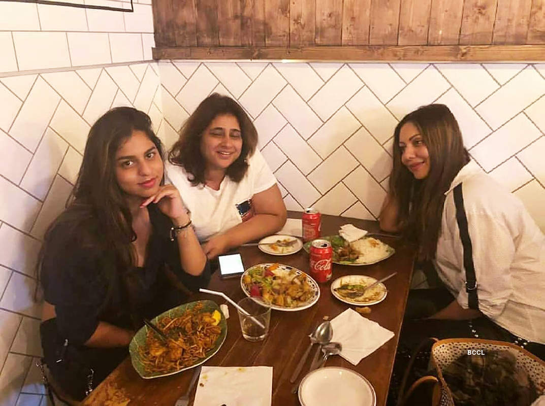 Suhana Khan is making heads turn with her glamorous pictures