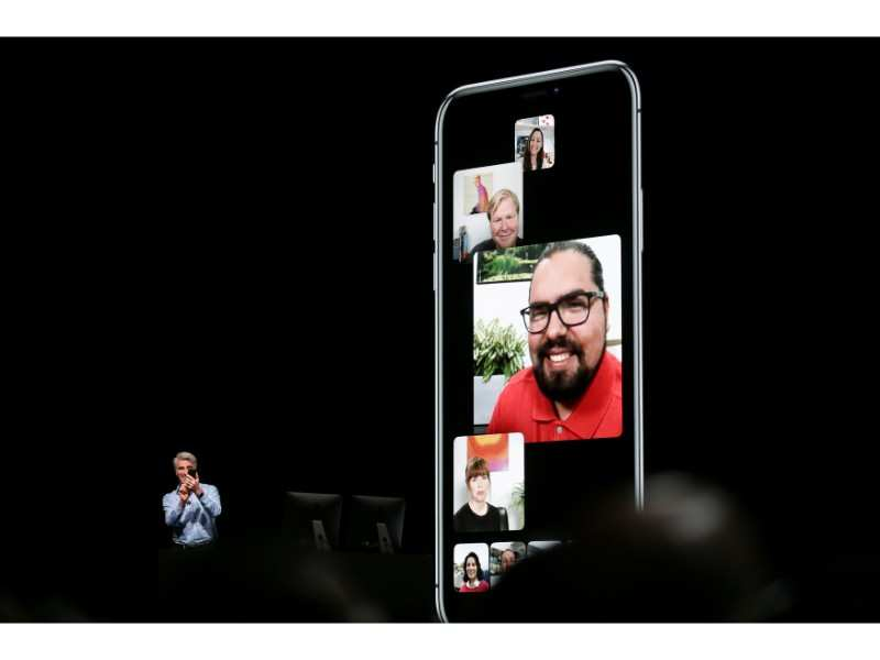 FaceTime with up to 32 people simultaneously   Gadgets Now