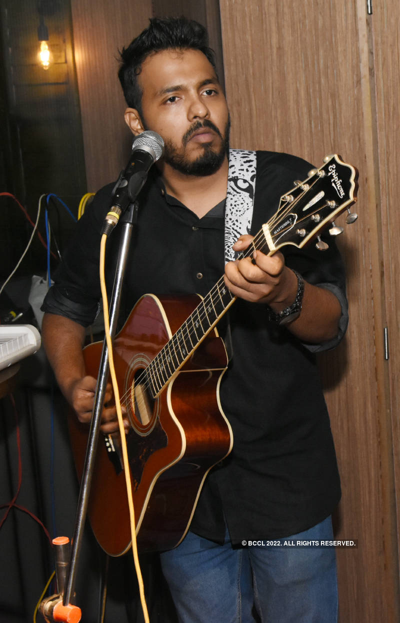 Adil Rashid and Paloma Majumdar performed at a resto-pub