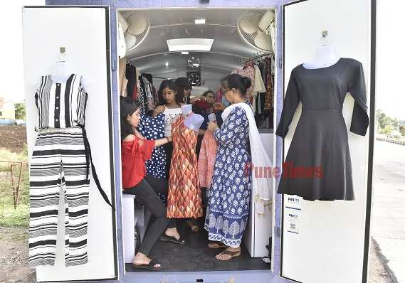Ravi Yadav Ever Heard Of Fashion On Wheels Pune Sees Its Own Fashion Truck Times Of India