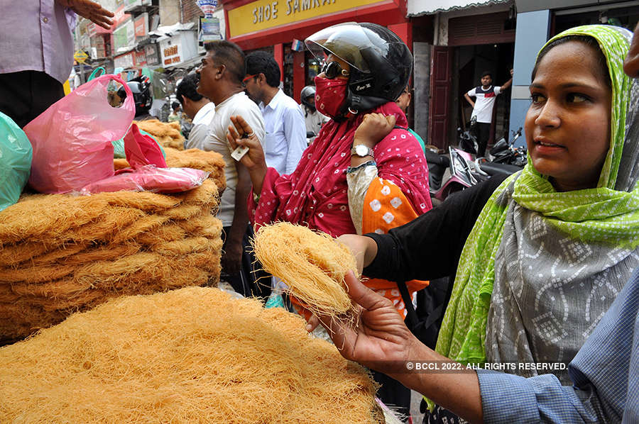 Markets abuzz as Muslims go for shopping before Eid