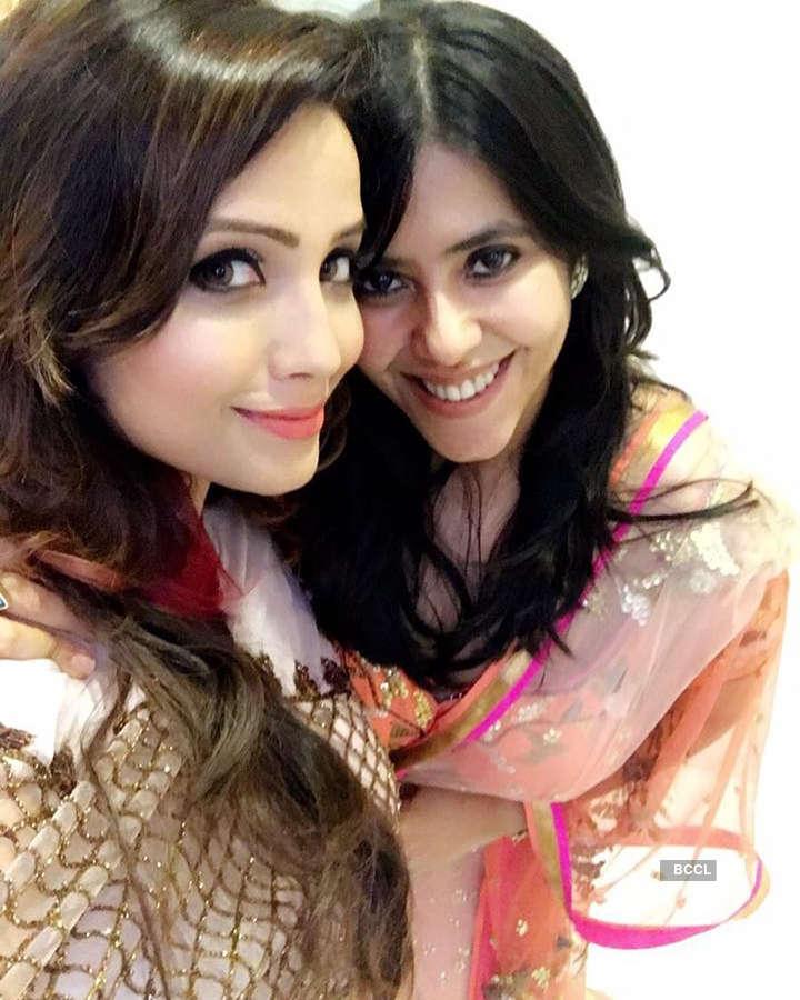 Adaa Khan's drastic transformation is winning the internet, see pics