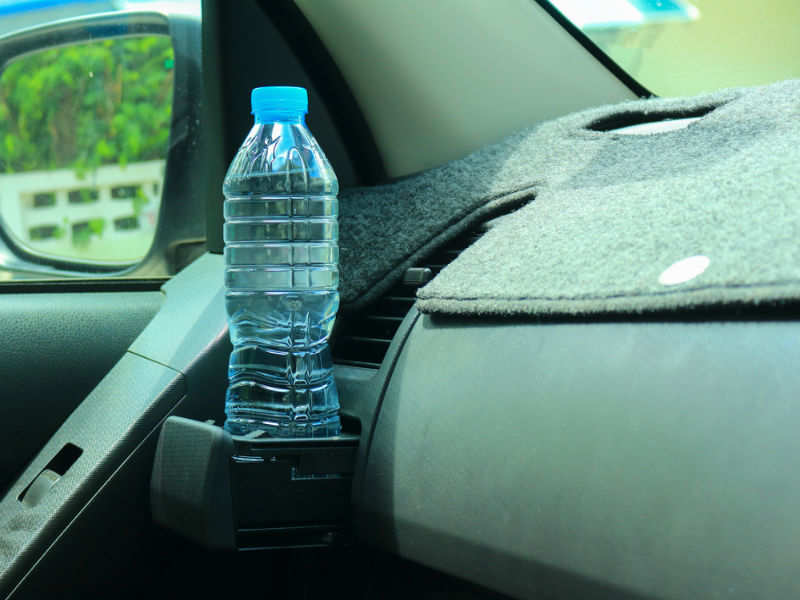 Warning: Leaving water bottle in a car can be fatal! | The