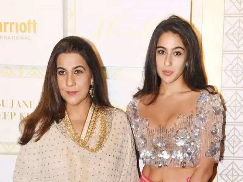 Mom Amrita Singh is Sara Ali Khan's constant mentor