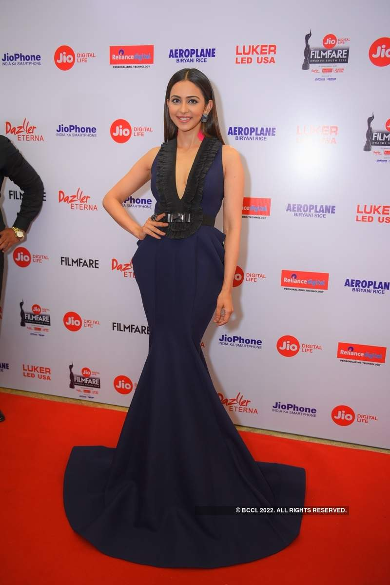 65th Jio Filmfare Awards (South) 2018: Red Carpet