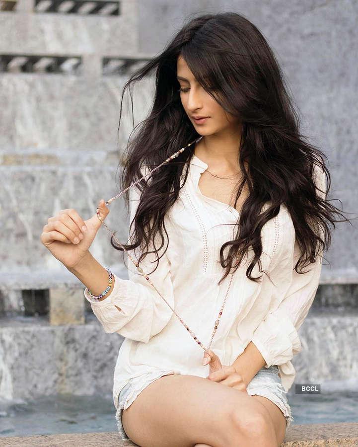 Shweta Tiwari's daughter Palak Tiwari finally makes her acting debut with an advertisement...