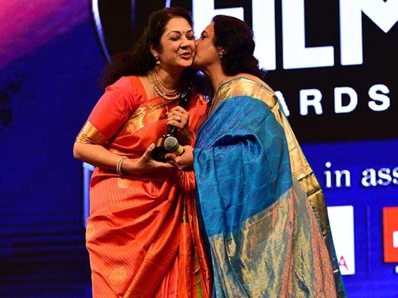(winners of Best supporting actor female Malayalam))Shanthi Krishna -Seema 02 (3)