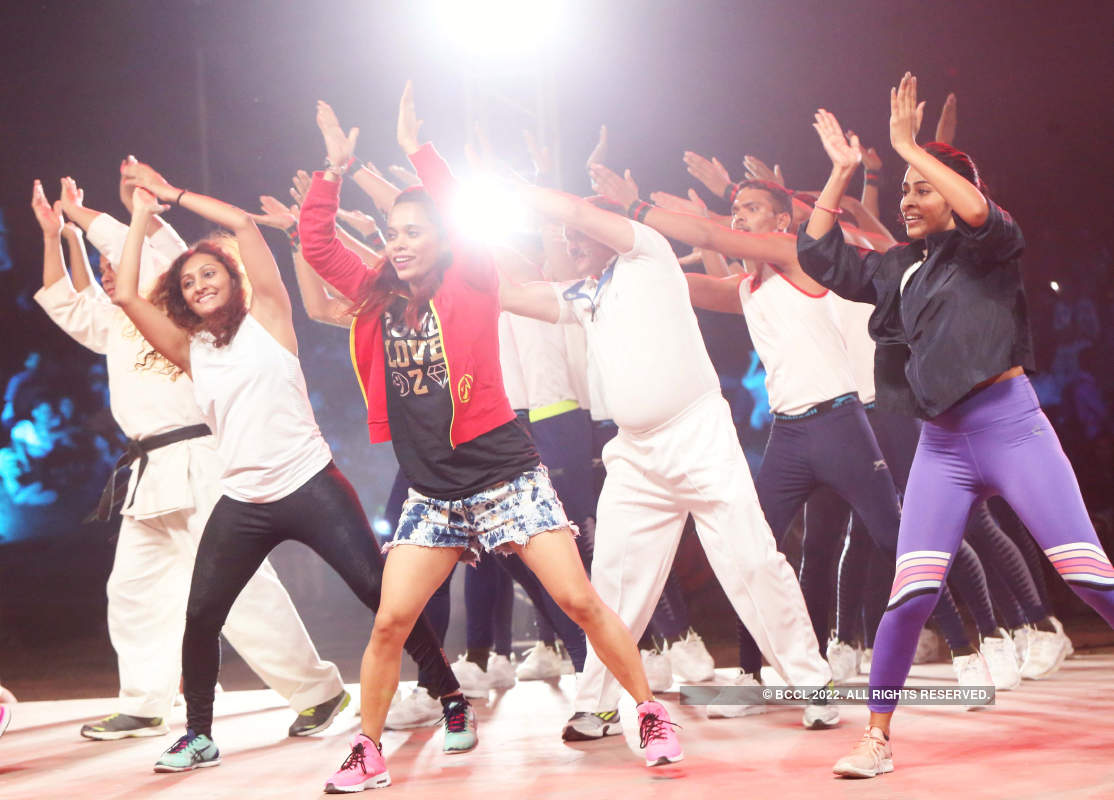 Fitness stars motivate to pledge #HumFitTohIndiaFit