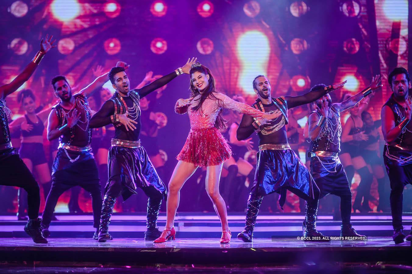 fbb Colors Femina Miss India 2018: Kareena, Madhuri and Jacqueline set the stage on fire