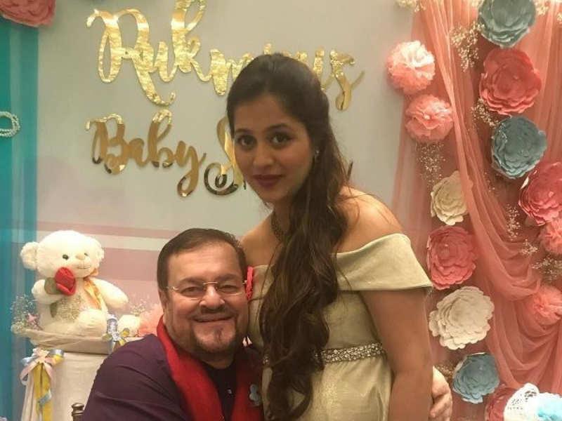 Neil Nitin Mukesh S Wife Rukmini Sahay Looks Radiant In The First