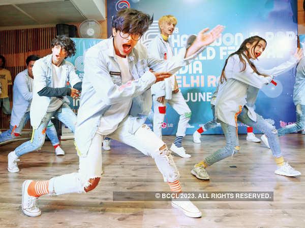 Delhiites funk up K-pop auditions at Korean Cultural Centre