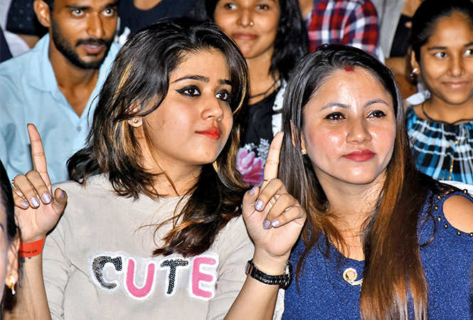 Sunita and Anubhuti (BCCL/ Vishnu Jaiswal)