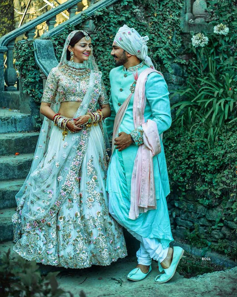 Inside pictures of Rubina Dilaik and Abhinav Shukla's starry wedding reception you can't give a miss!