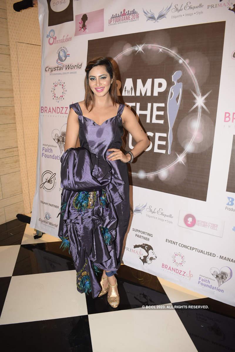Celebs attend fashion fundraiser