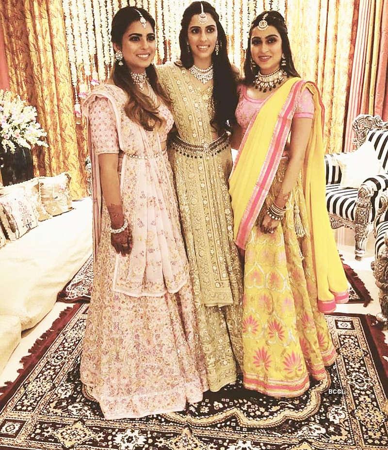 Priyanka & Nick's candid picture from Shloka Mehta and Akash Ambani's pre-engagement party