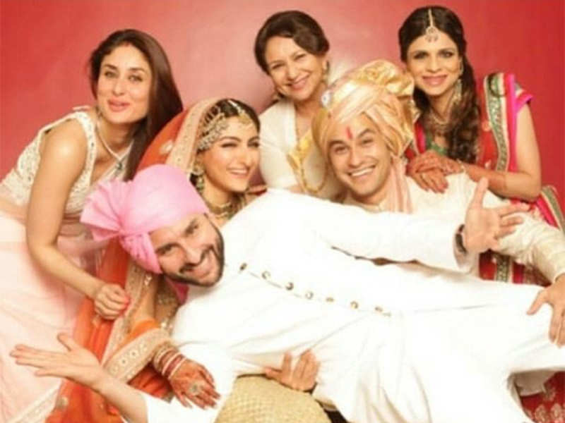 This Unseen Family Picture From Soha Ali Khan And Kunal Kemmu S Wedding Will Bring A Smile On Your Face