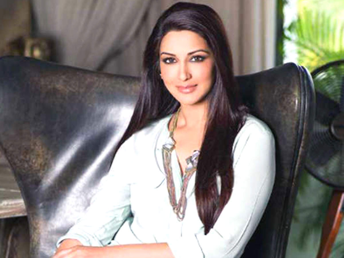 Sonali Bendre diagnosed with cancer: Celebs pray for her speedy recovery