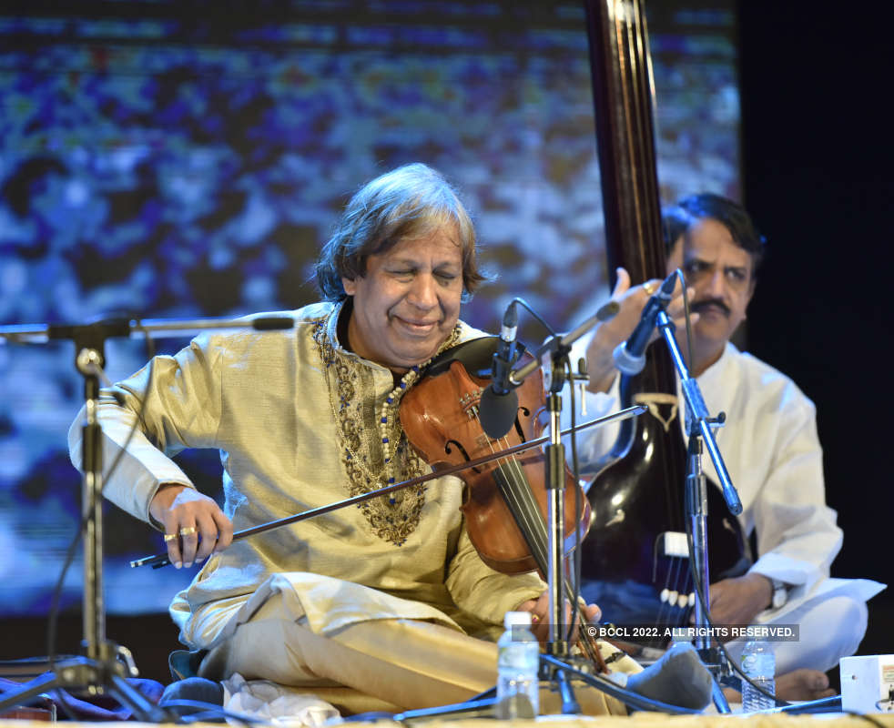 Puneites soaked in a musical fiesta