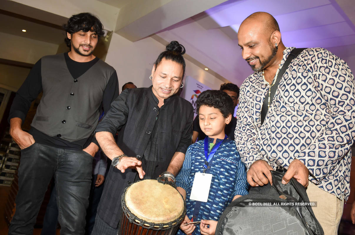 Kailash Kher launches two music bands on his 45th birthday
