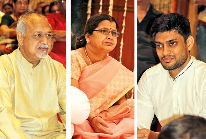 (L) Vinay Jain (C) Vandana (R) Umang Agrawal (BCCL/ Arvind Kumar)