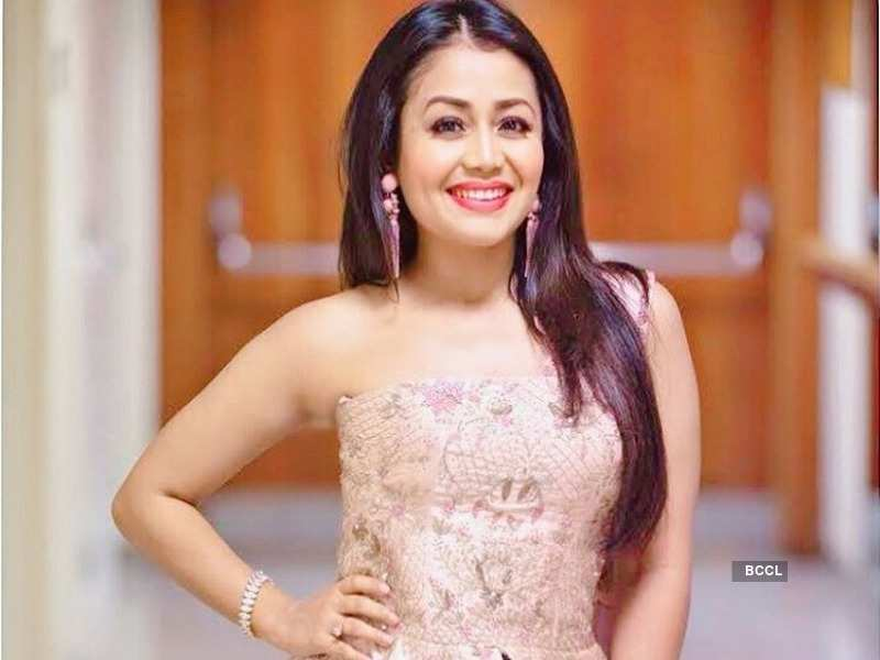 Neha Kakkar gets trolled for being overlty emotional on Indian Idol 10 - Divyanka Tripathi to Hina Khan: Actresses who went savage with trolls  | The Times of India