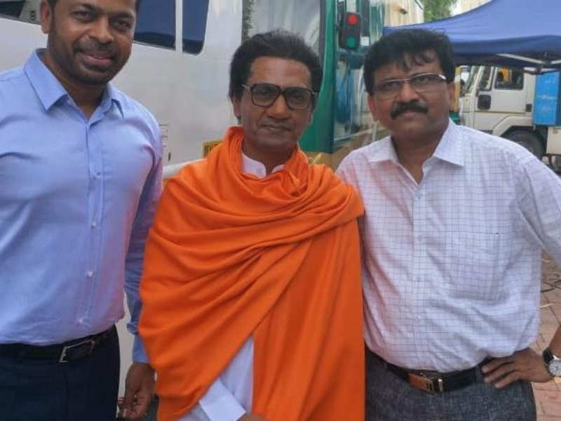 Nawazuddin Siddiqui resembles Bal Thackeray to perfection in the latest picture, biopic releases on January 23
