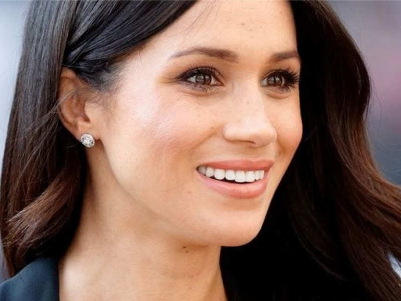 01/6Here's how you can replicate Meghan Markle's iconic no-makeup look yourself!