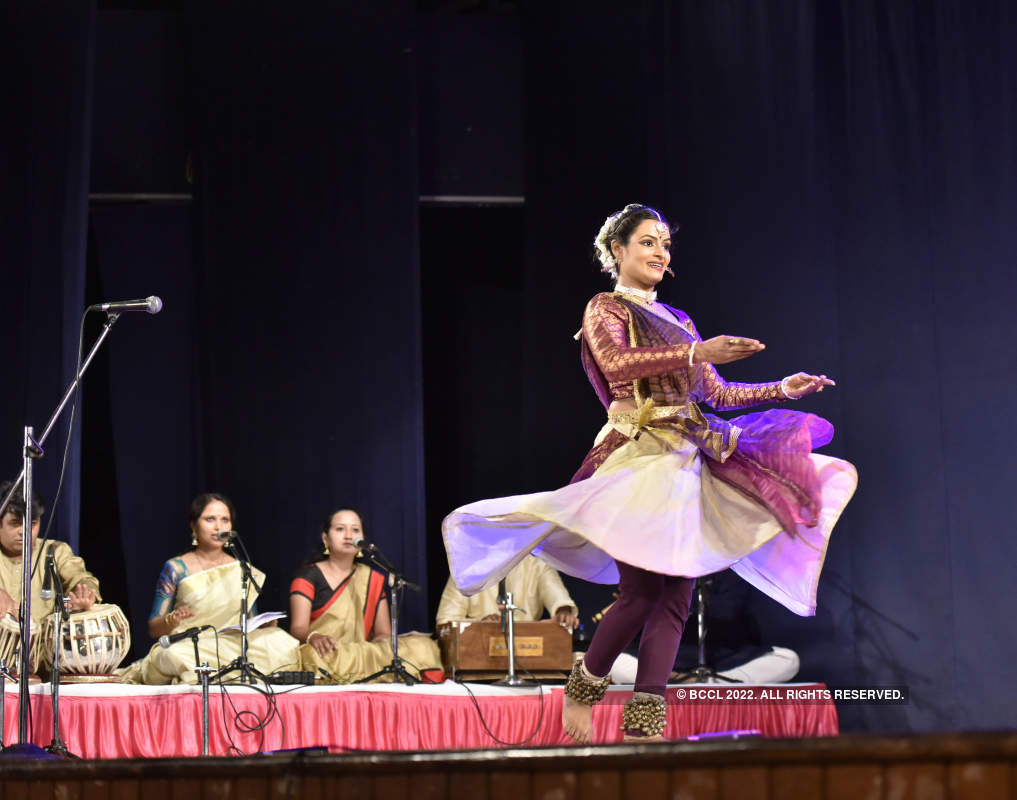 Puneites witness beautiful dance performances at Dancing Flames festival
