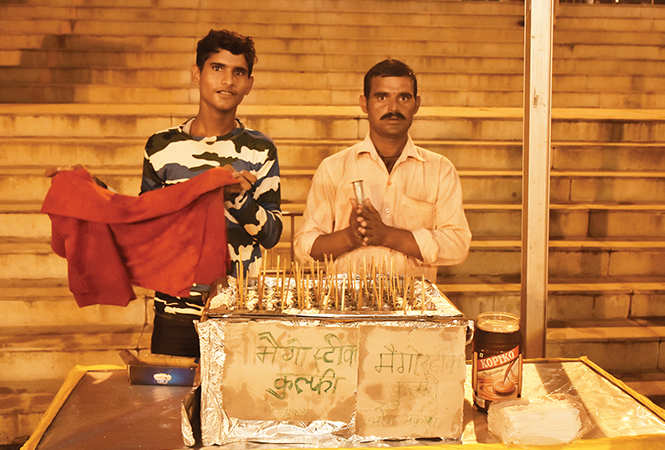 Vinod (L) and Omprakash sold aam kulfi which was loved by all (BCCL)