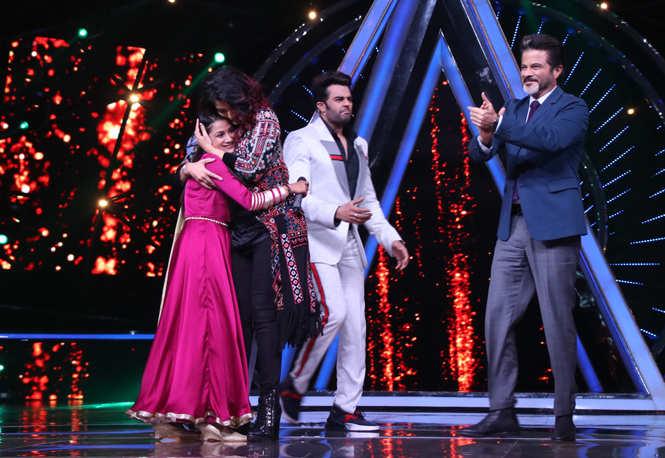 Rajasthani girl Renu Nagar makes Aishwarya Rai Bachchan dance to her tunes  - Times of India