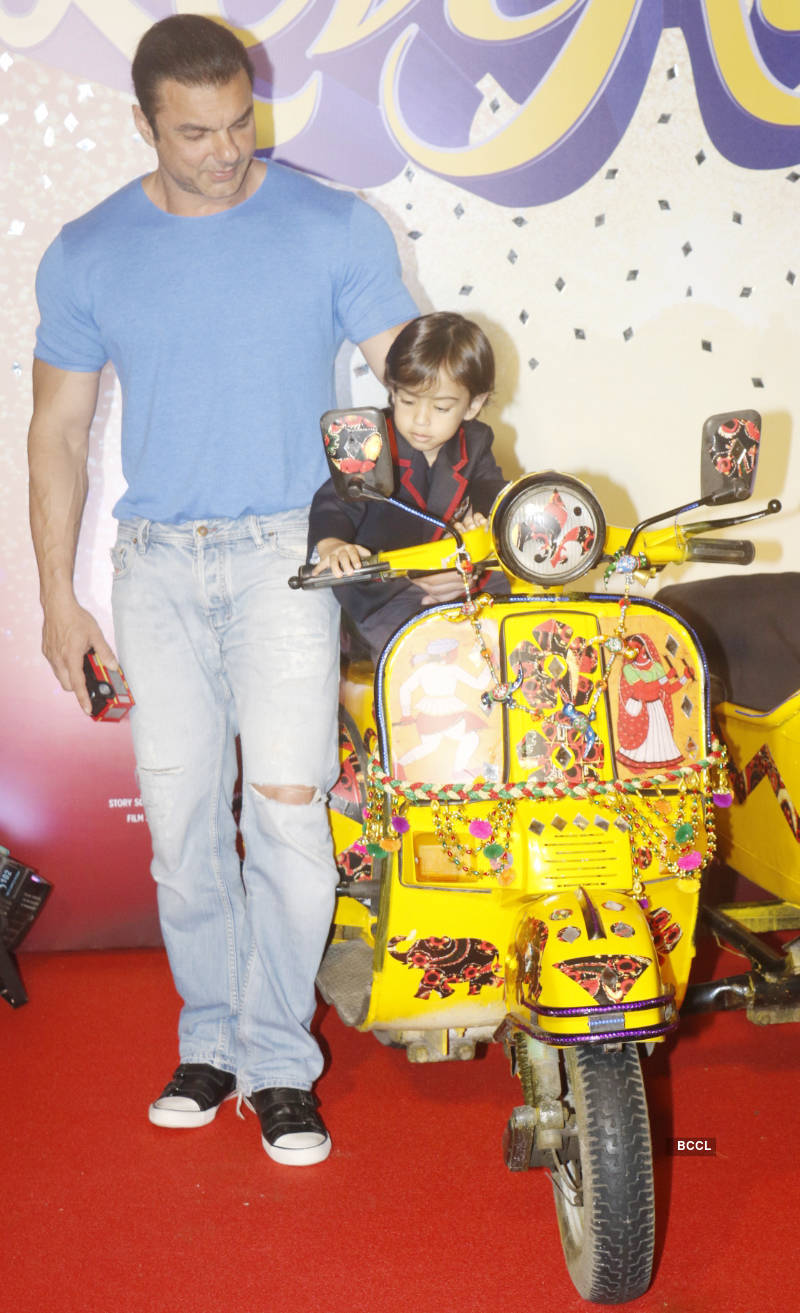 Salman Khan gets goofy with nephew Ahil at Loveratri's trailer launch