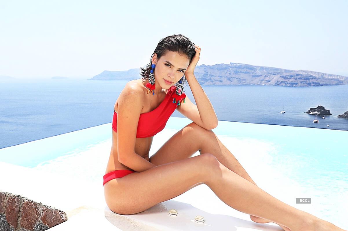 Sultry pictures of Neymar Jr's girlfriend & actress Bruna Marquezine turn up the heat