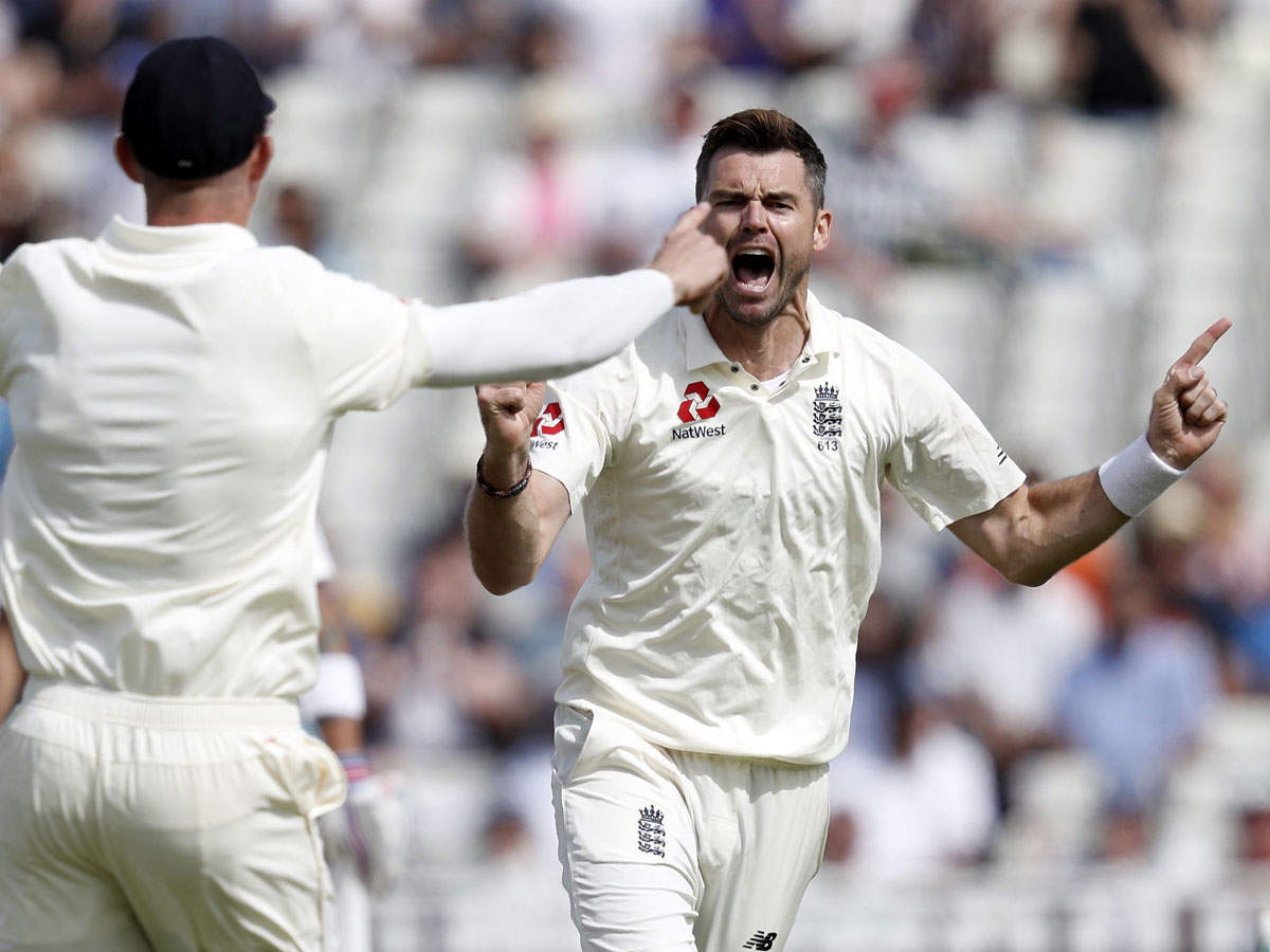 2nd Test: Rain forces early lunch, India 11/2