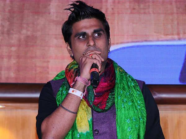 Aaman-Trikha-performs-at-Dr