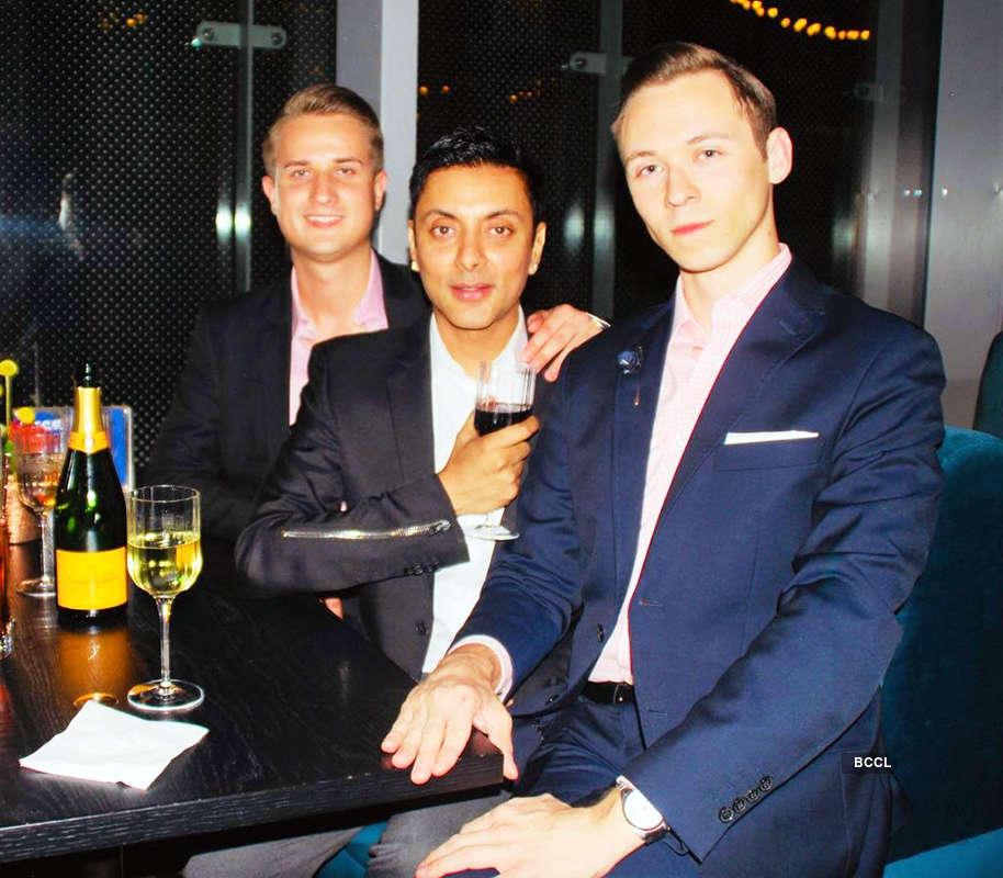 Vikram Baidyanath celebrates birthday with friends in London