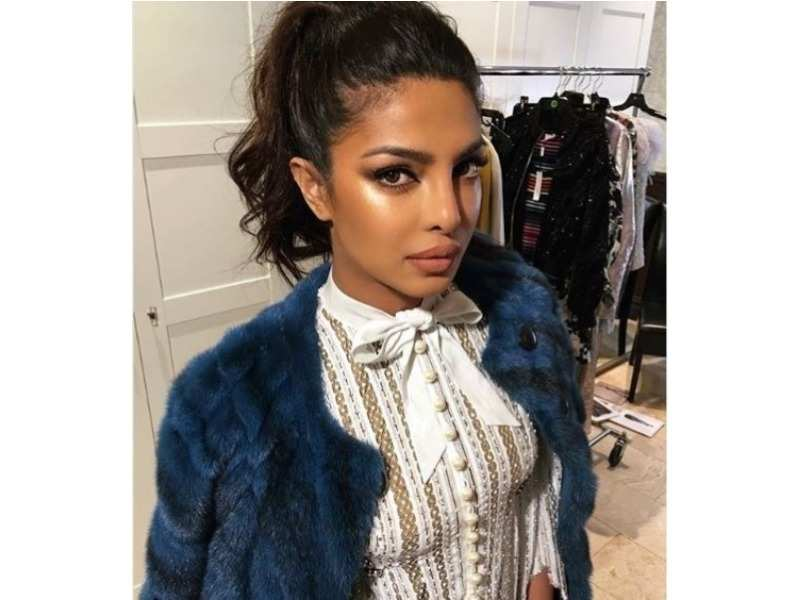 2f0ebb158a 01/5Try out these beauty looks inspired by our desi girl, Priyanka Chopra