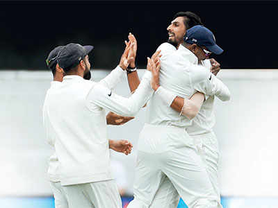 Royal Challengers Bangalore sack Daniel Vettori as head coach