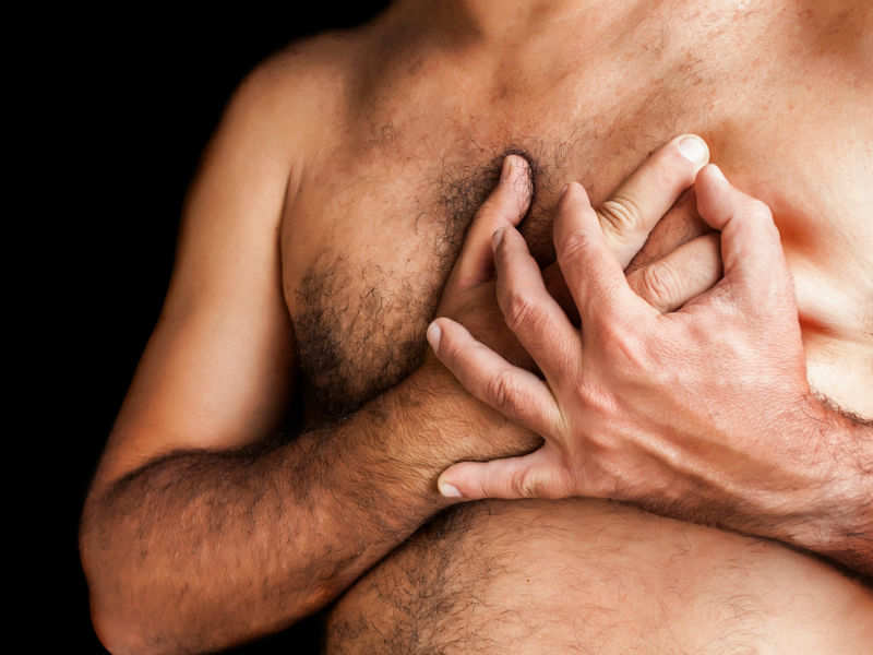 4 Male Breast Cancer Symptoms Because It Also Happens To Them