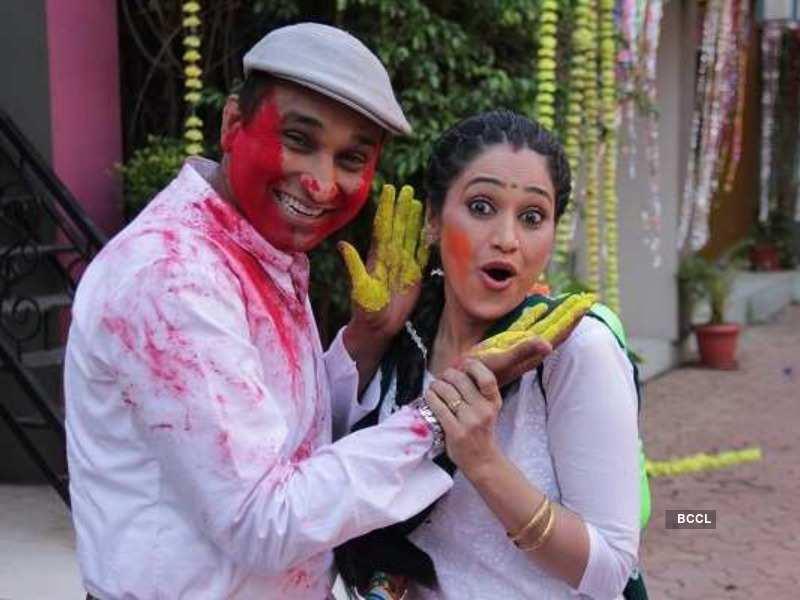 Disha Vakani And Mayur Vakani Mayur vakani is an indian actor. disha vakani and mayur vakani