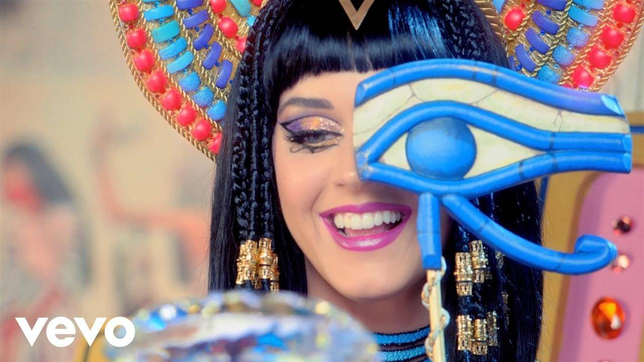 English Song Dark Horse Sung By Katy Perry