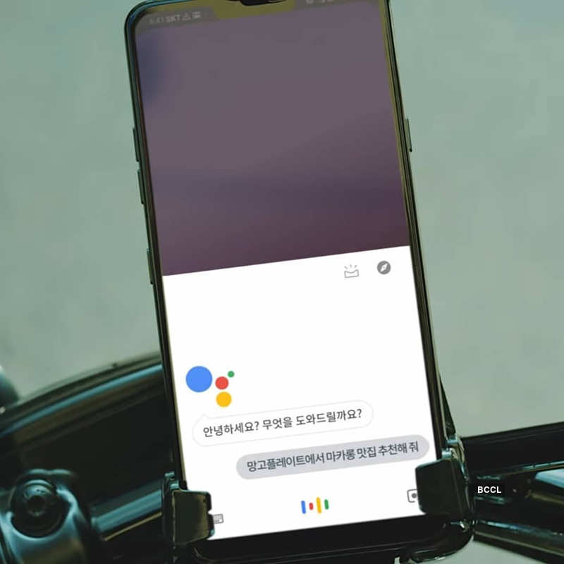 Google Assistant goes bilingual