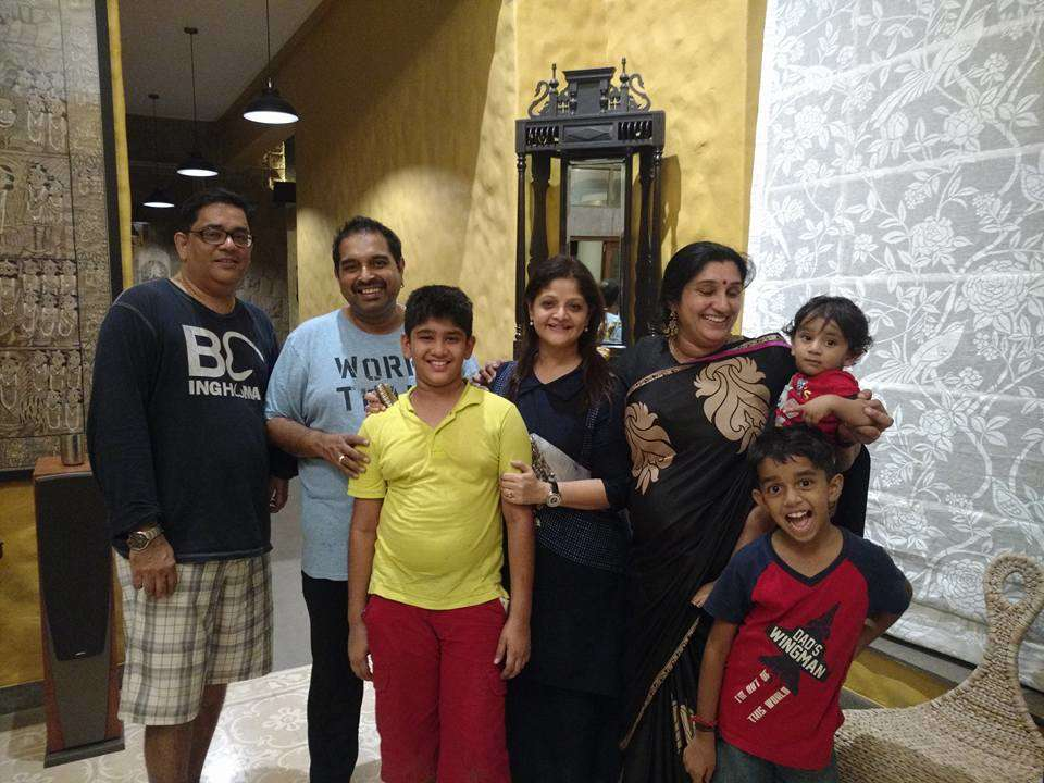 deepti's family with shankar Mahadevan
