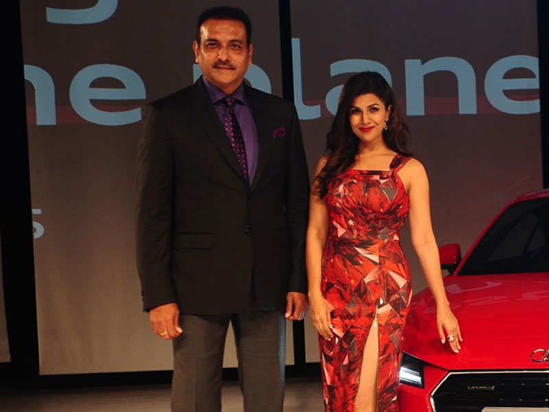 Nimrat Kaur dating Indian cricket coach Ravi Shastri?